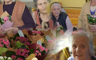 """Жест за всички дами в домове за стари хора """"Верният настойник"""""""
