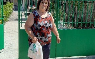Хранителни пакети за членовете на пациентска организация от Камено